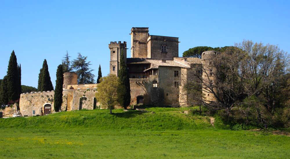 Prestation traiteur Château de Lourmarin La Table de Charlotte Traiteur Bouches-du-Rhône